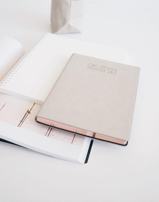 cic-design-agenda-gris-dorado